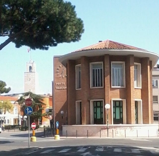 Palazzo_delle_Poste_Latina-2